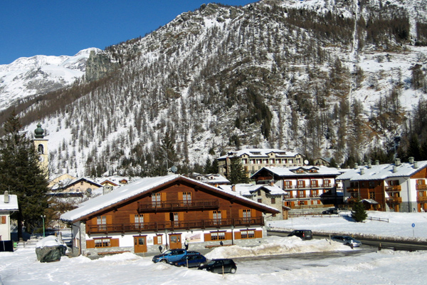 Monte Rosa Hotelli Oberteil
